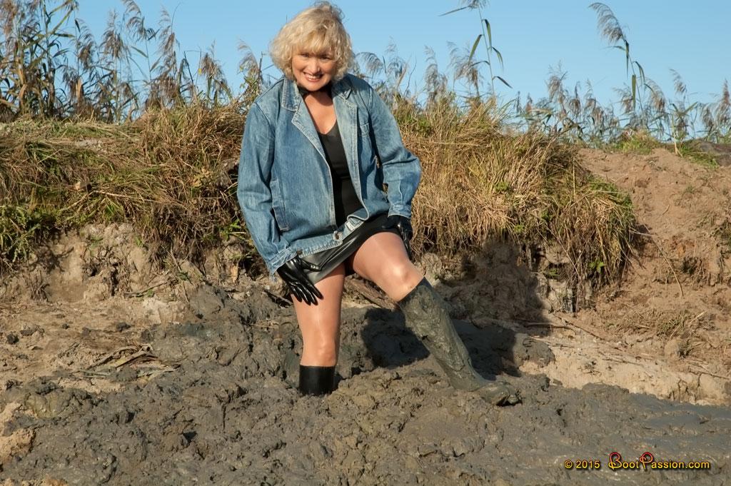 Cапожные женщины в грязи. Sp19_04